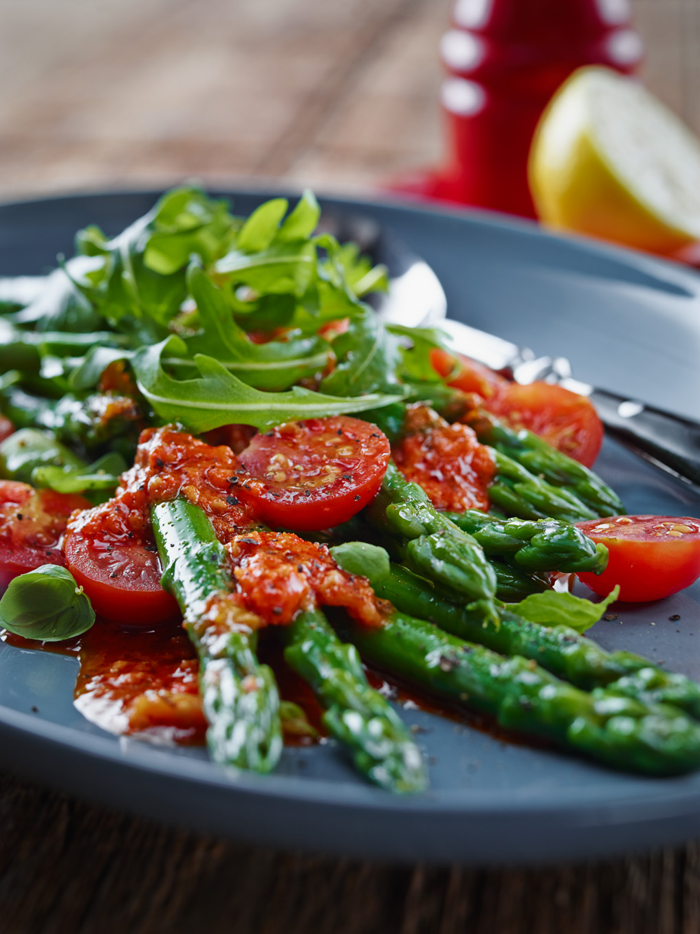 Asparagus and Tomato Salad with Capsicum Dressing